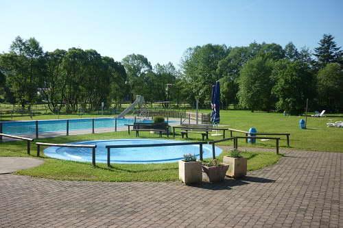 Schwimmbad Mernes